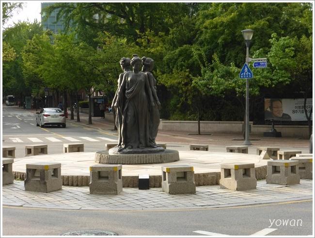 s-ソウル市立美術館バス停201608 (6)