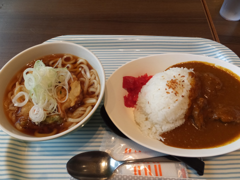 羽田で昼飯