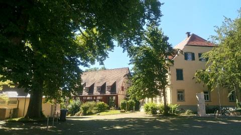 Kloster Denkendorfの広場から1