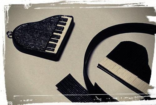 ピアノプレート制作中
