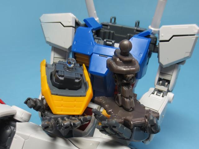 Gundam_Machine_Head_Nightingale_01_29.jpg