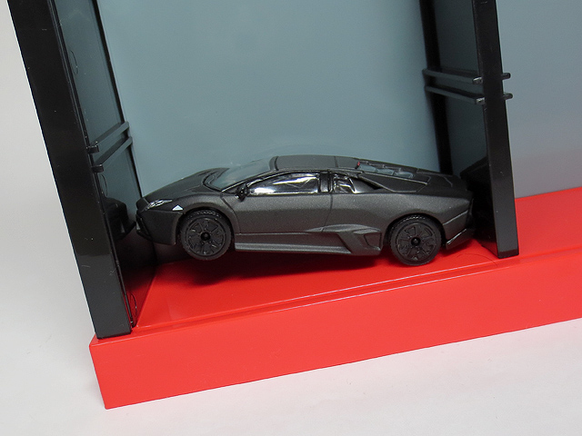 TOMICA_Display_Square_PassionRed_25.jpg