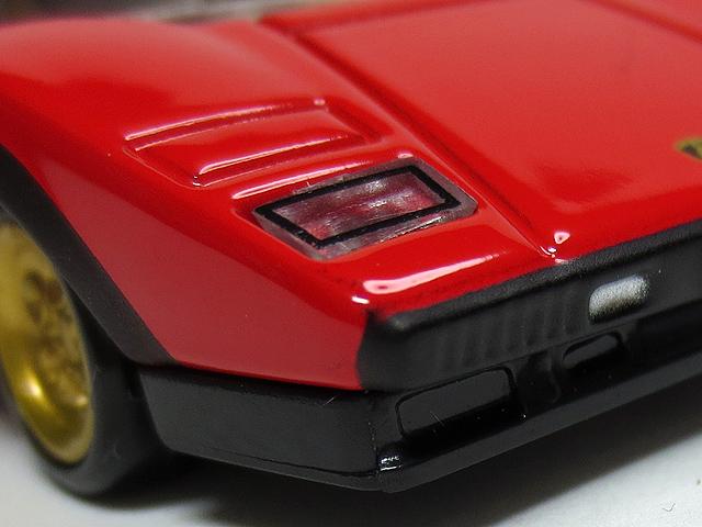 Tomica_Premium_TTM_LP500S_Red_10.jpg