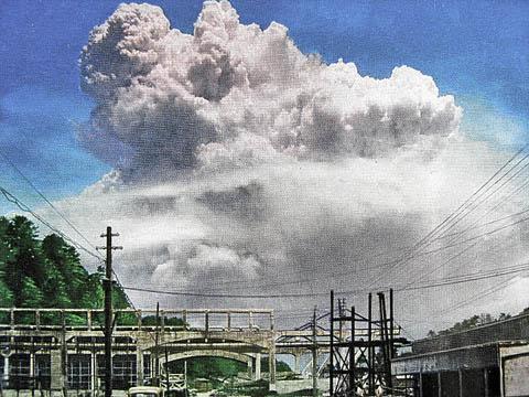 長崎 地上起爆
