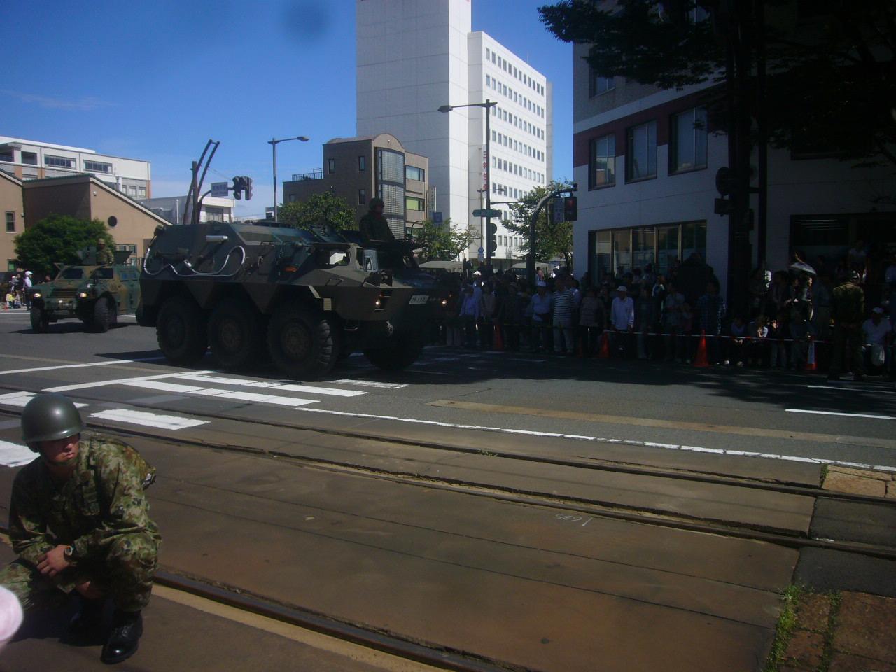 自衛隊パレード 戦車? H28.10.1