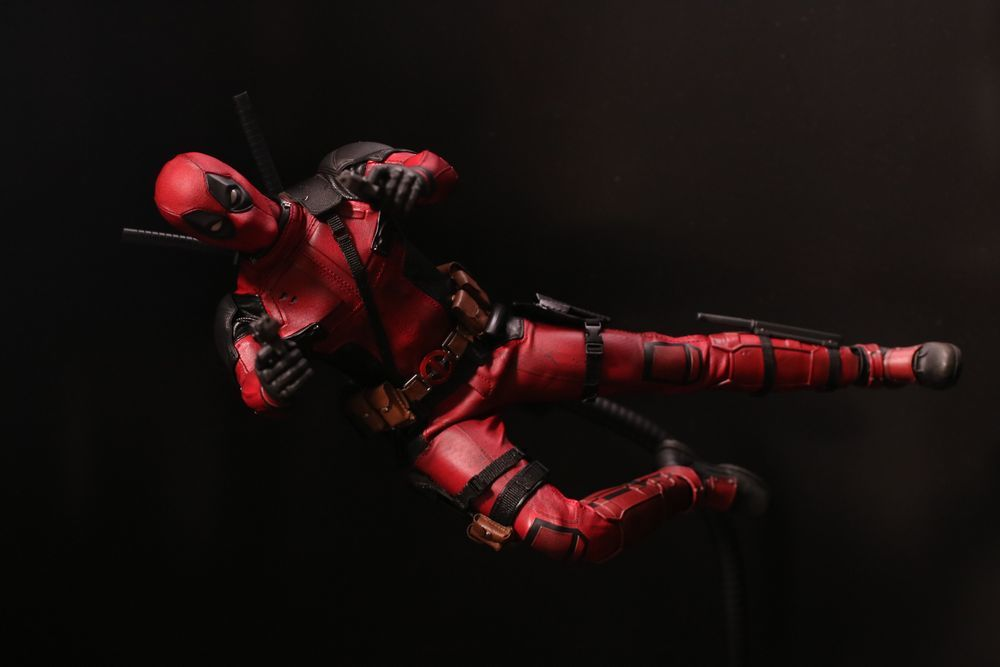 hottoysdeadpool27.jpg