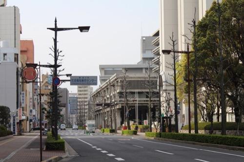 0021:香川県庁舎 県庁前通り北側からの眺め