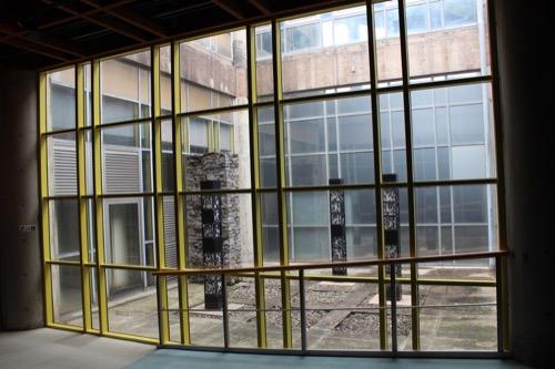 0085:瀬戸大橋記念館 展示室の中庭