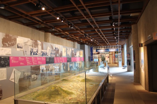 0085:瀬戸大橋記念館 展示室の様子