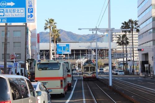 0088:JR高知駅舎 南大通からの眺め