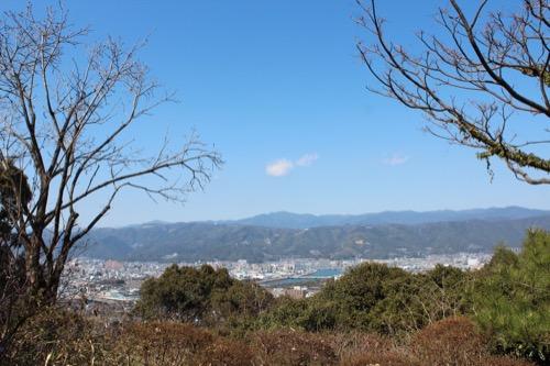 0089:牧野富太郎記念館 高知市街地をみる