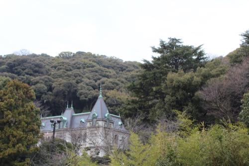0092:坂の上の雲ミュージアム 外に見える「萬翠荘」