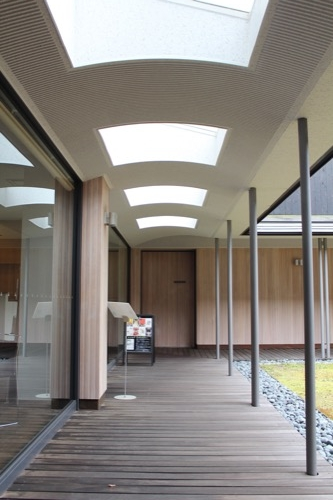 0096:伊丹十三記念館 回廊トップライト