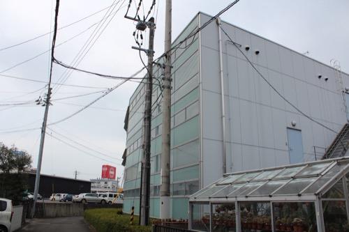 0097:松山ITM本社ビル 裏のファサード