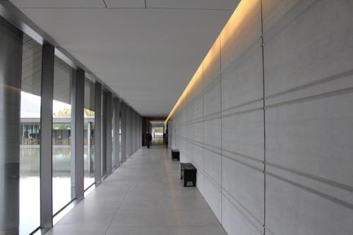 0098:佐川美術館 廊下