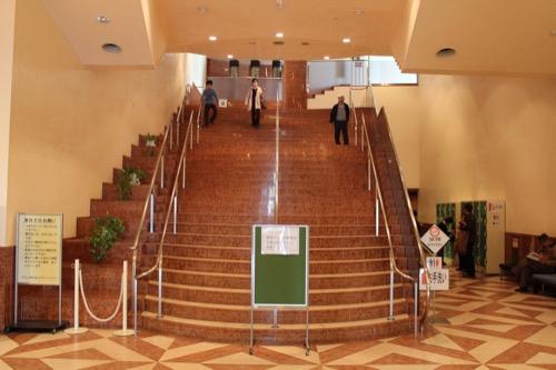 0104:大阪市立美術館 地上階へつながる階段