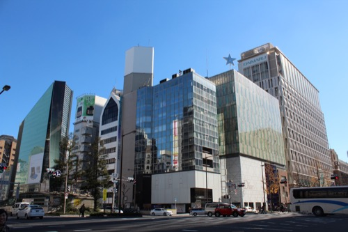 0106:LVMH大阪 交差点から