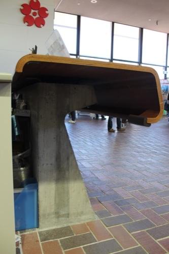 0107:EXPO'70パビリオン 受付机を横から