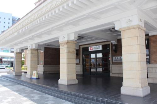 0109:奈良市総合観光案内所 玄関部分のデザイン①