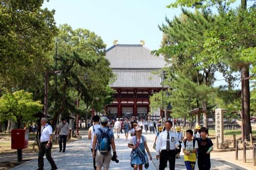 0114:東大寺総合文化センター 東大寺への参道