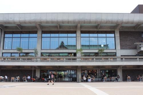 0116:ロームシアター京都 中庭③