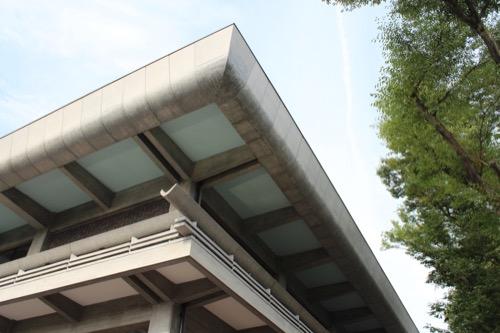 0116:ロームシアター京都 めくり上がった屋根