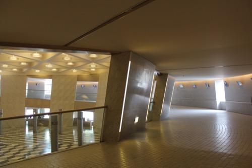0125:京都コンサートホール 大ホールへのスロープ