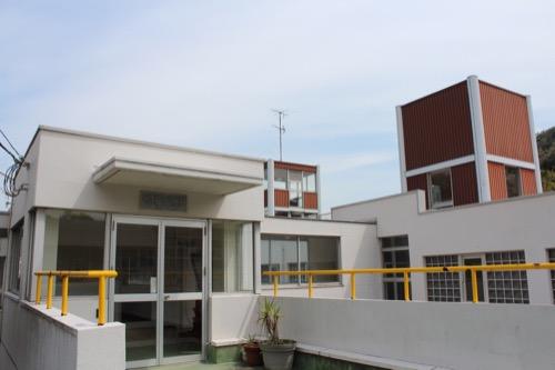 0127:直島幼児学園 幼稚園の管理棟玄関