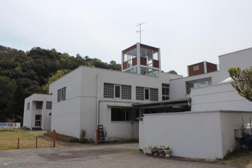 0127:直島幼児学園 幼稚園東側からの眺め①
