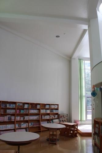 0128:直島小学校 図書室③