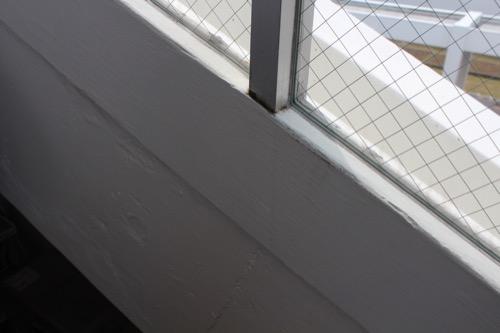0128:直島小学校 白く塗り直された壁面