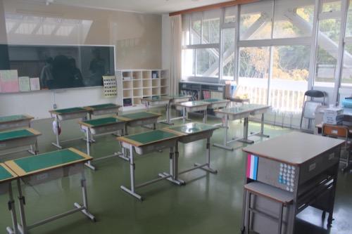 0128:直島小学校 教室