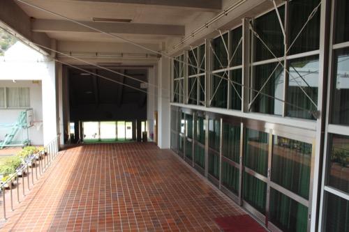 0128:直島小学校 内部にある体育館②