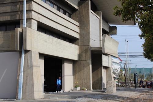 0132:香川県立武道館 正面入口付近