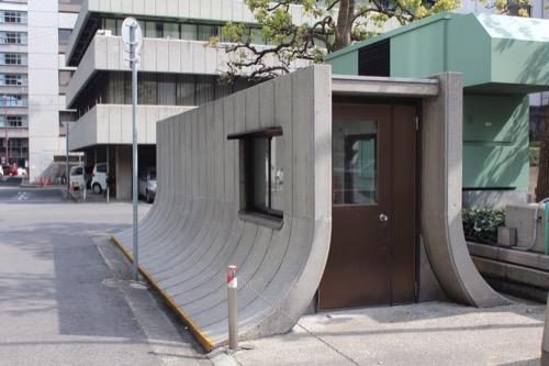 0134:百十四銀行本店 東側にある謎の施設②