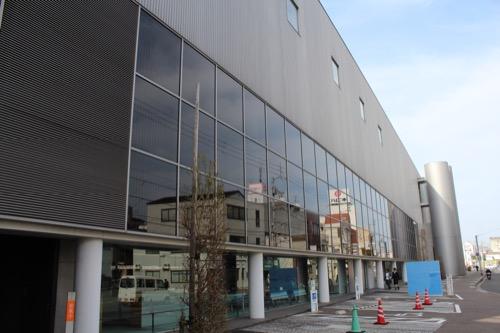 0137:丸亀市猪熊弦一郎現代美術館 図書館入口①