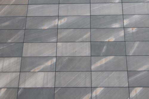 0137:丸亀市猪熊弦一郎現代美術館 モス・グリーンの壁面石材