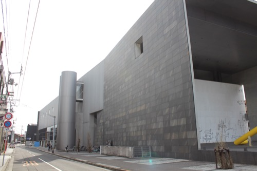 0137:丸亀市猪熊弦一郎現代美術館 南側外観