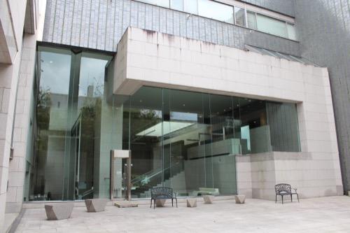 0139:岡山県立美術館 外へも繋がる踊り場②