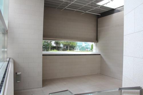 0139:岡山県立美術館 屋内広場①