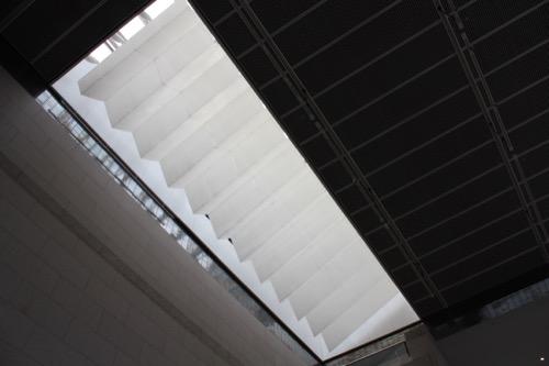 0139:岡山県立美術館 屋内広場④