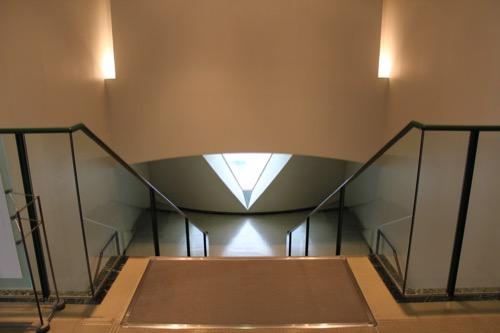 0145:広島市現代美術館 地下階への階段①