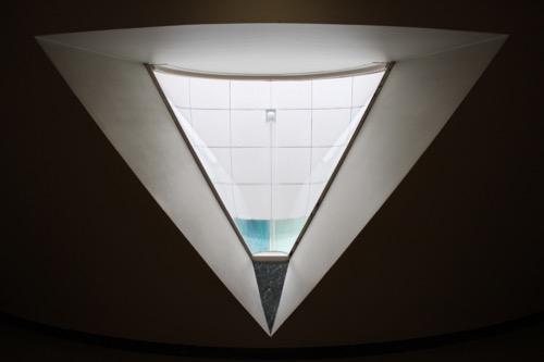 0145:広島市現代美術館 地下階への階段②