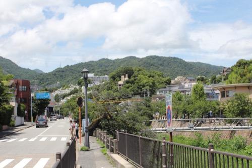 0152:ヨドコウ迎賓館 芦屋川から奥の迎賓館を見る