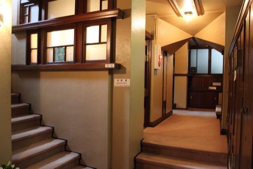 0152:ヨドコウ迎賓館 3階奥廊下②