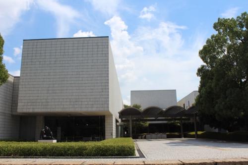 0157:岐阜県美術館 美術館正面②