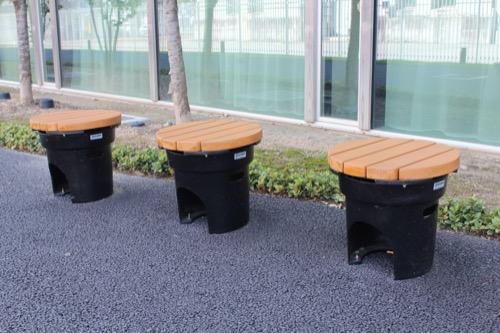 0160:ぎふメディアコスモス 東側にある椅子のデザイン