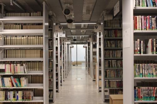 0160:ぎふメディアコスモス 本の蔵内部①
