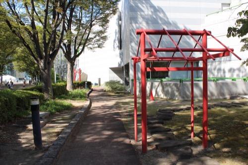 0162:名古屋市美術館 木組をイメージしたオブジェ