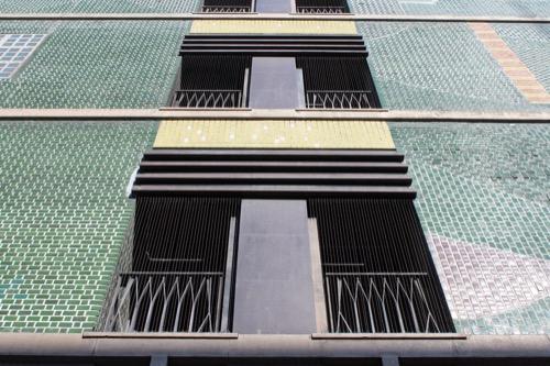 0164:丸栄百貨店 西側のモザイクファサード④